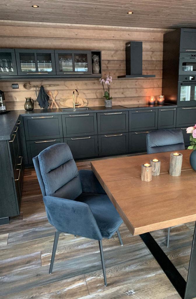 Bilde av kjøkken. Finalist nummer 7 årets hyttepris 2021