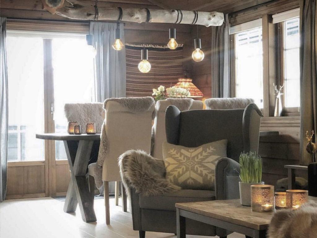 Bilde av stue finalist nummer 10. Hytteprisen 2021.